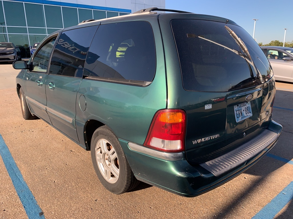Pre-Owned 2002 Ford Windstar SE