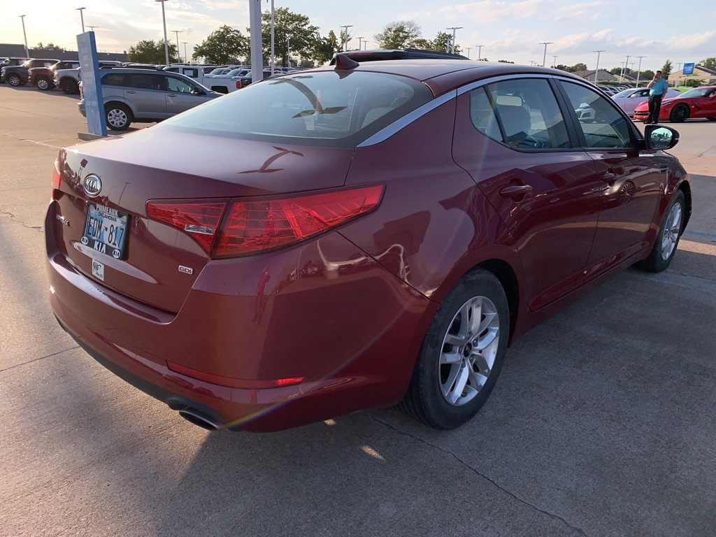Pre-Owned 2011 Kia Optima LX