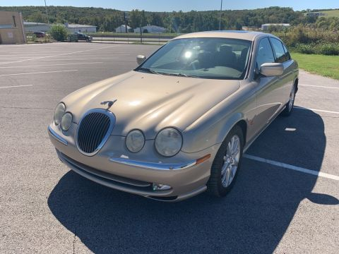 Pre-Owned 2001 Jaguar S-TYPE 4.0